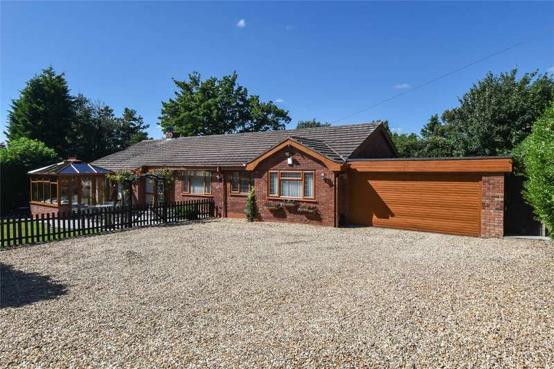 3 Bedrooms Detached Bungalow for sale in Old Birmingham Road, Lickey End, Bromsgrove, B60