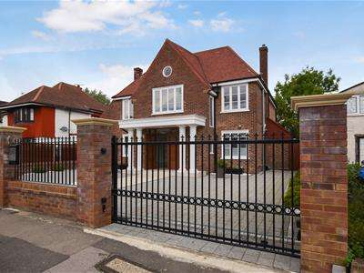 5 Bedrooms Detached House for rent in Oakington Avenue, Wembley