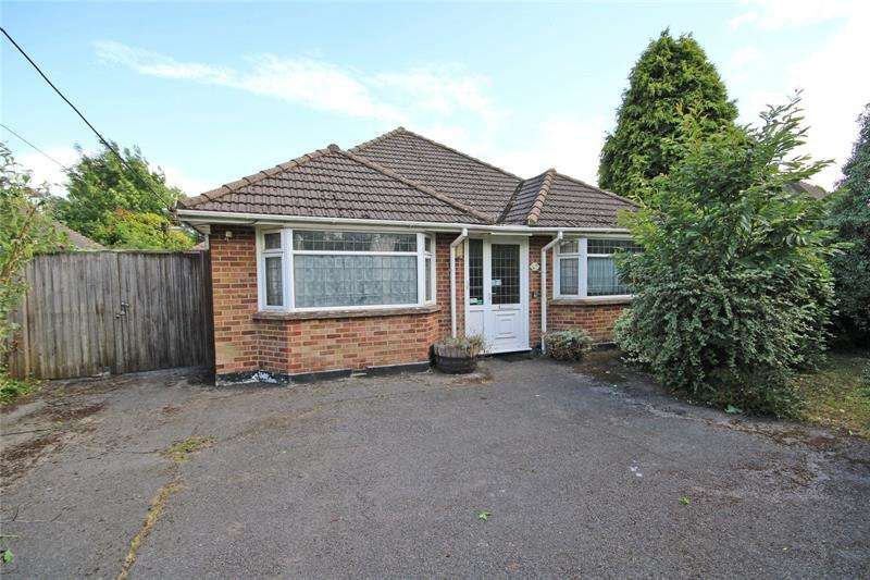 2 Bedrooms Bungalow for sale in Copse Avenue, New Milton, Hampshire, BH25