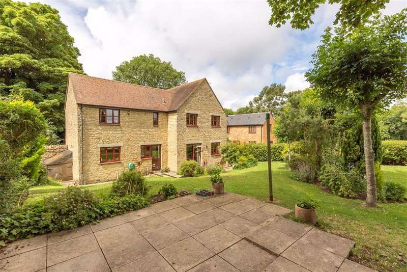 5 Bedrooms Detached House for sale in East Street, Fritwell Bicester, Oxon