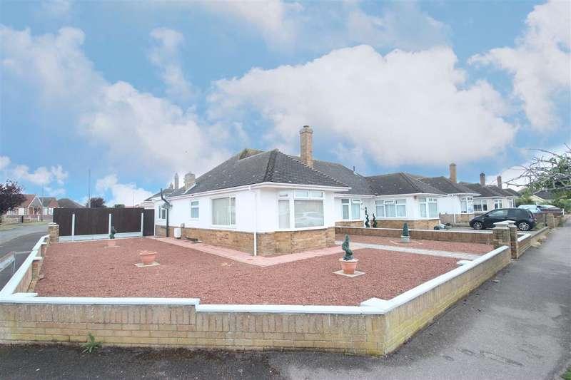 2 Bedrooms Bungalow for sale in Queens Road, Clacton-on-Sea