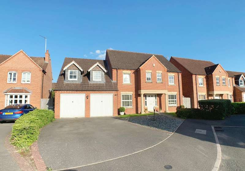 4 Bedrooms Detached House for sale in Shreres Dyche, Chase Meadow, Warwick