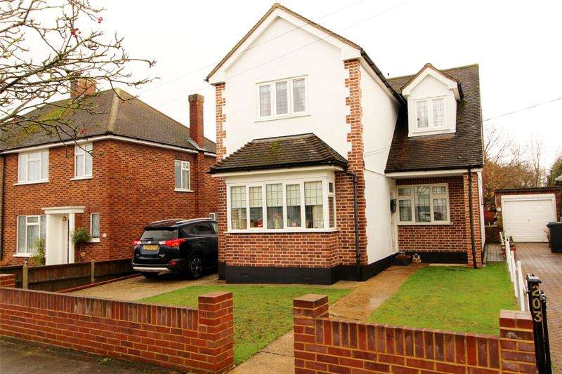4 Bedrooms Detached House for sale in Woodside, Leigh-on-Sea, Essex, SS9