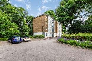 2 Bedrooms Flat for sale in Victoria Court, Willicombe Park, Tunbridge Wells, Kent