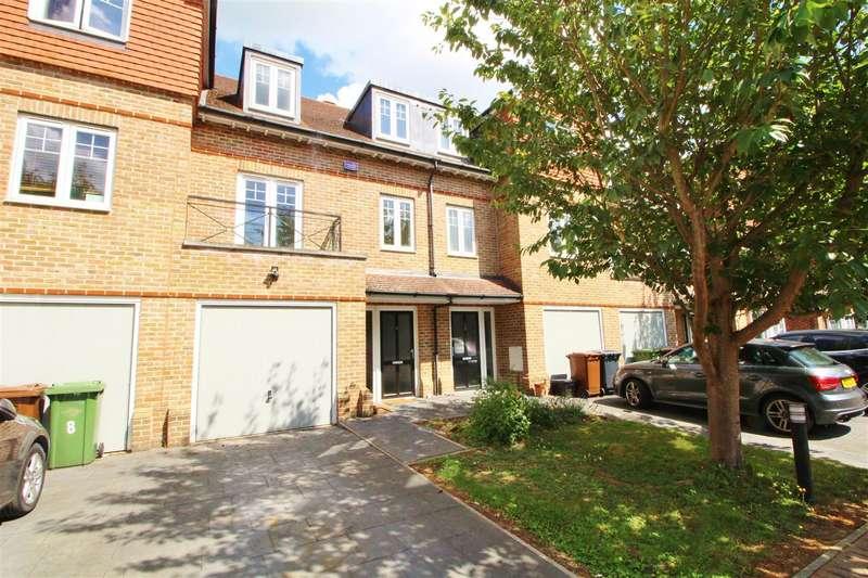 3 Bedrooms Terraced House for rent in Highbridge Close, Radlett