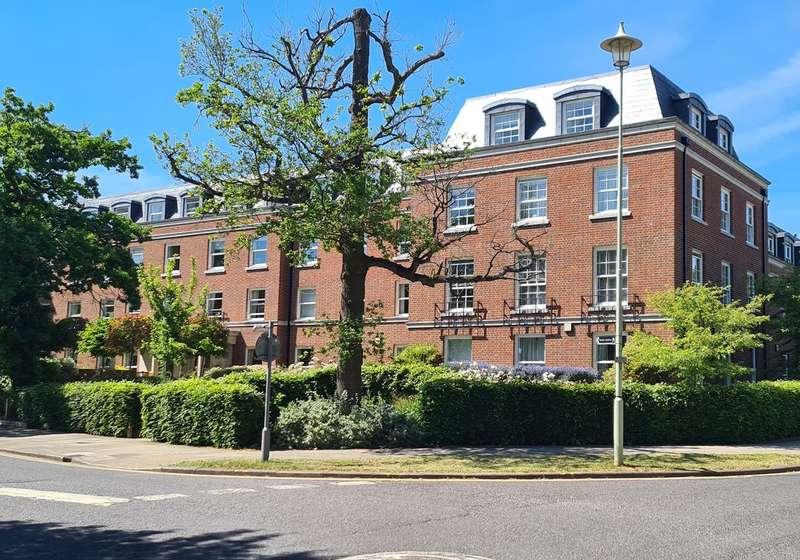 1 Bedroom Retirement Property for sale in College Way, Welwyn Garden City, AL8