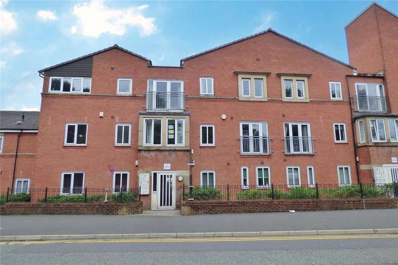 2 Bedrooms Apartment Flat for sale in Fairbourne Court, Fairbourne Walk, Oldham, Greater Manchester, OL1