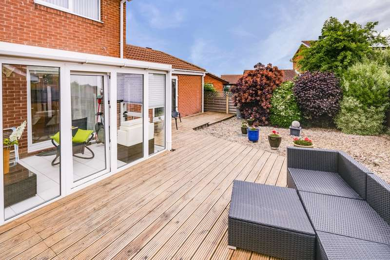 4 Bedrooms Detached House for sale in Bigby Way, Bramley