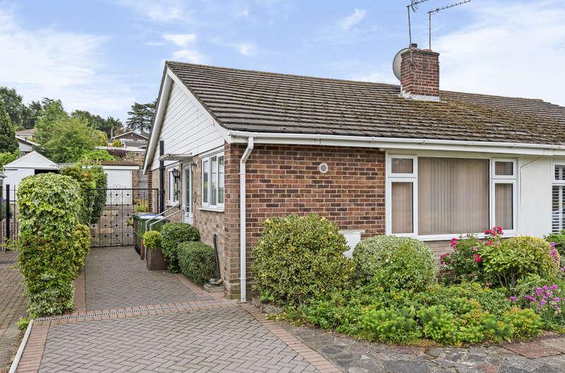 2 Bedrooms Semi Detached Bungalow for sale in Shuttlemead, Bexley, DA5