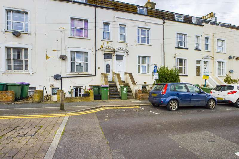 Property for rent in Victoria Grove, Folkestone CT20