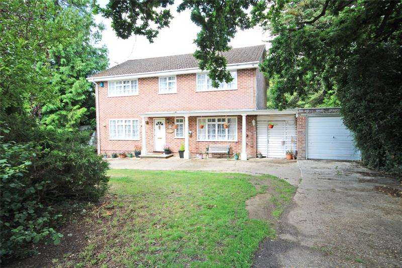 4 Bedrooms Detached House for sale in Brook Avenue, New Milton, Hampshire, BH25