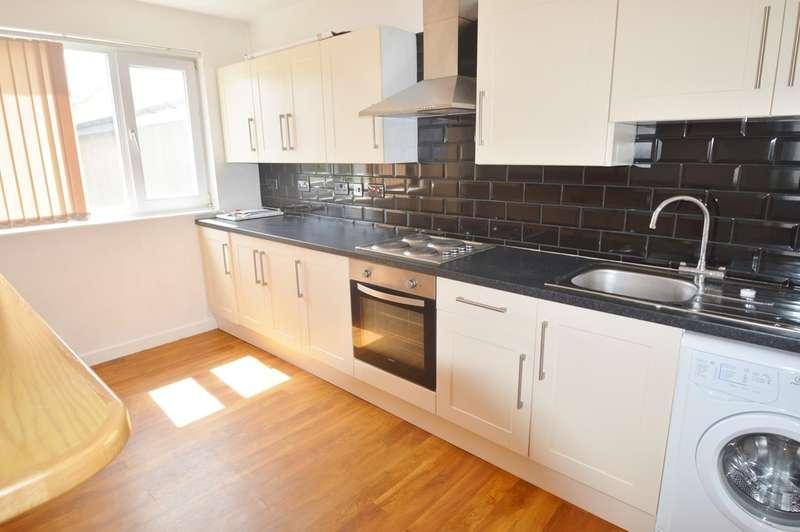 2 Bedrooms Flat for rent in Flat 1, 16 High Street, Cowbridge, CF71 7AG