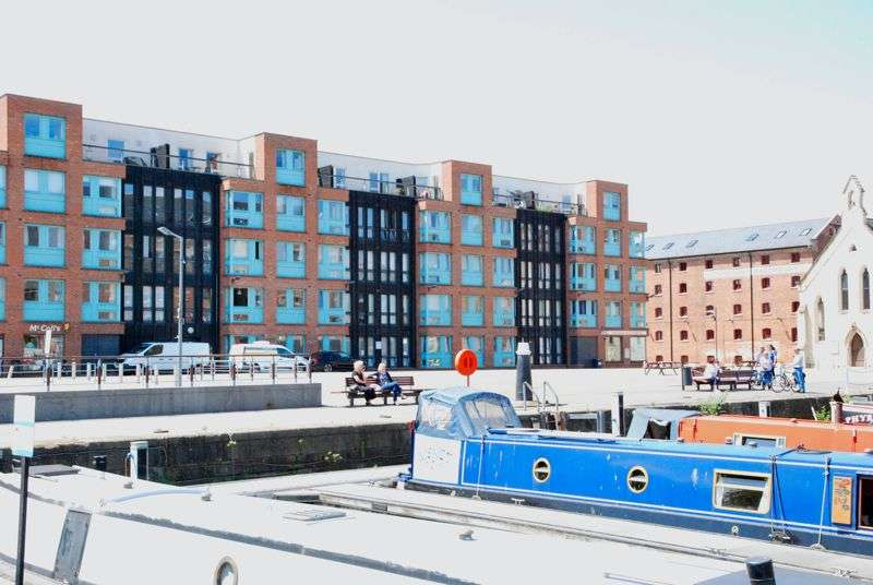 1 Bedroom Property for sale in The Barge Arm, The Quays, Gloucester,
