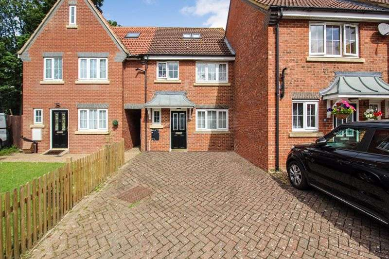3 Bedrooms Property for sale in Moore Crescent, Dunstable