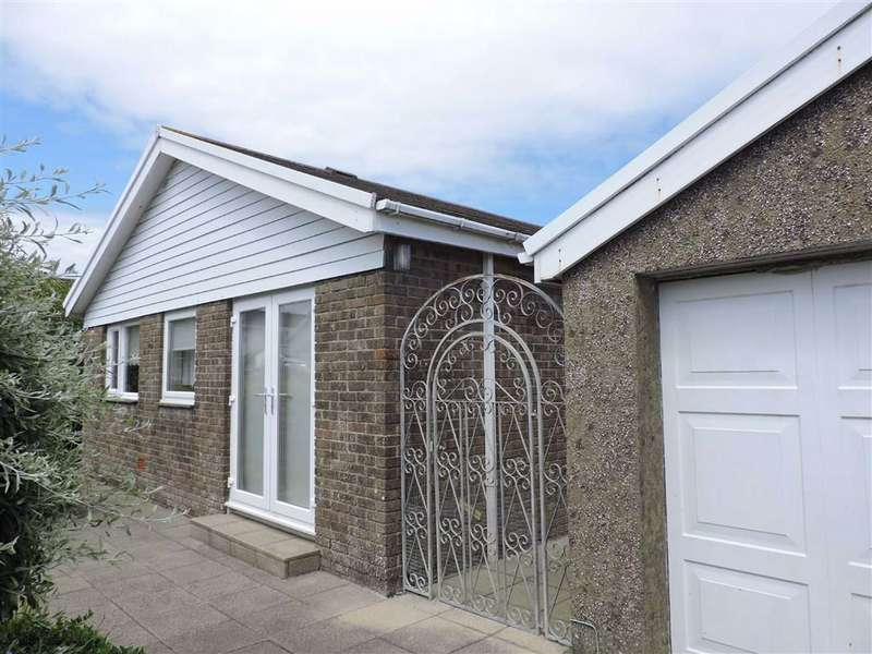 2 Bedrooms Detached Bungalow for sale in Clos Y Bigney, Fishguard