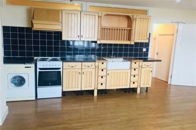 3 Bedrooms Flat for rent in Manchester Road; Altrincham; WA14 5NS