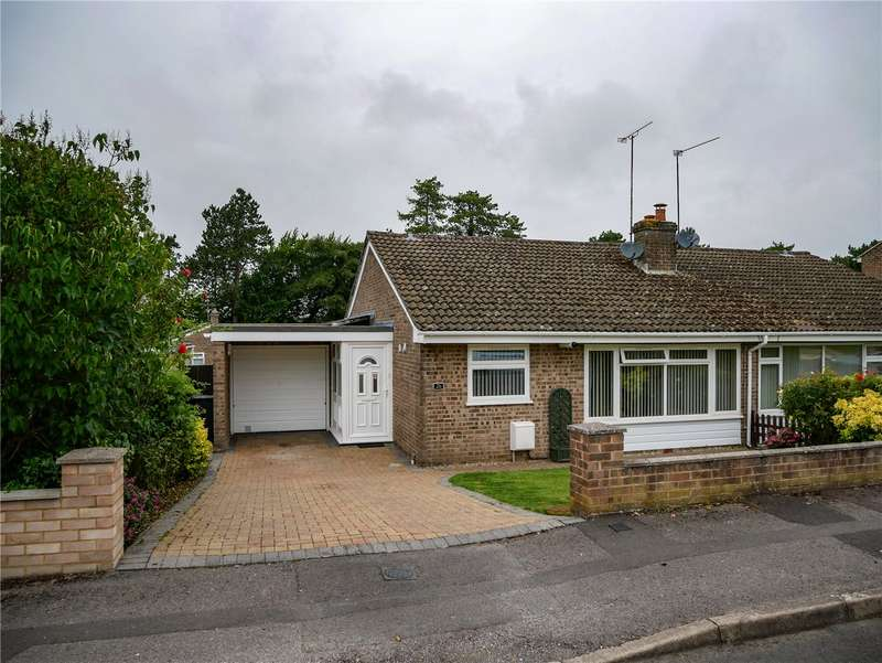 2 Bedrooms Semi Detached Bungalow for sale in Bourne Vale, Hungerford, Berkshire, RG17