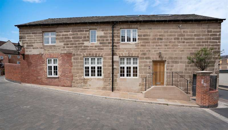 4 Bedrooms House for sale in Northgate Place, Warwick, Warwickshire