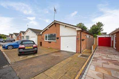 2 Bedrooms Bungalow for sale in Gregory Place, Lytham St Anne's, Lancashire, FY8