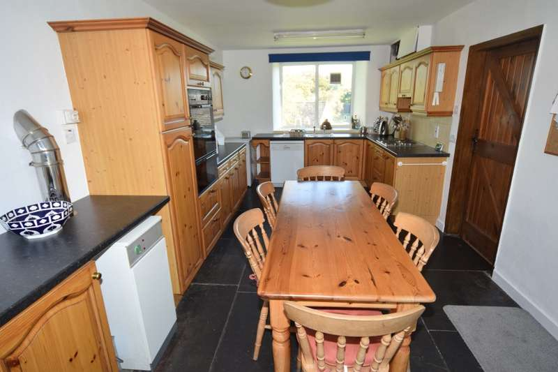 5 Bedrooms Detached House for sale in Broughton Beck, Ulverston