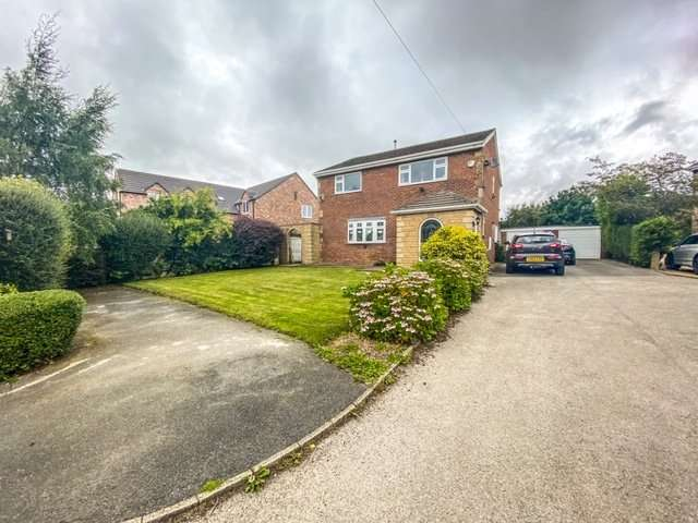 4 Bedrooms Detached House for sale in Calder View, Ossett, West Yorkshire, WF5