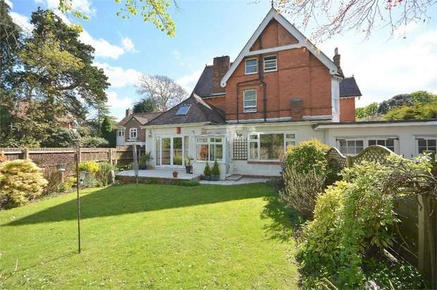 3 Bedrooms Flat for sale in Cavendish Road, Dean Park, Bournemouth