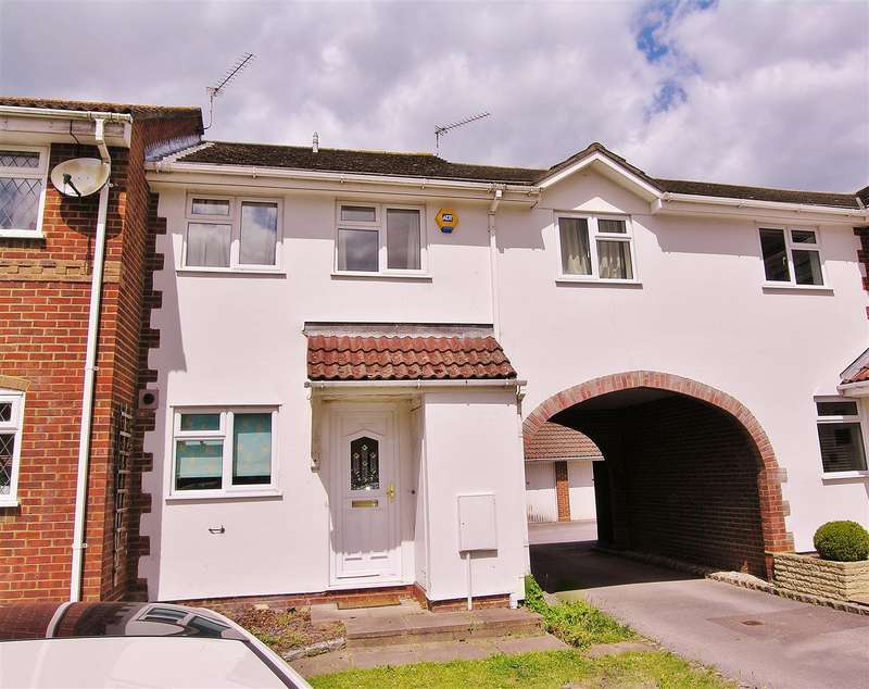 3 Bedrooms Terraced House for sale in Bagshot