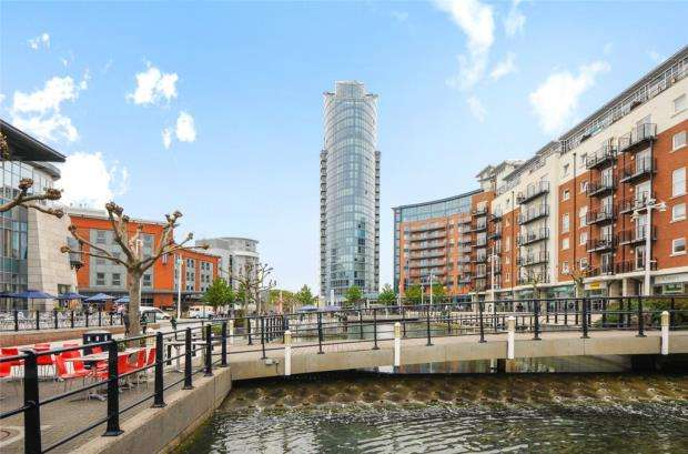 2 Bedrooms Apartment Flat for sale in No.1 Building, Gunwharf Quays, Portsmouth