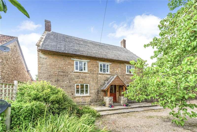 3 Bedrooms Detached House for sale in Church Street, Merriott, Somerset, TA16