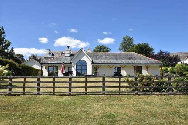 4 Bedrooms Detached Bungalow for sale in Radford Grange, Dawlish, Devon