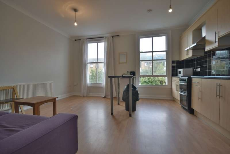 4 Bedrooms Flat for rent in Junction Road, Archway