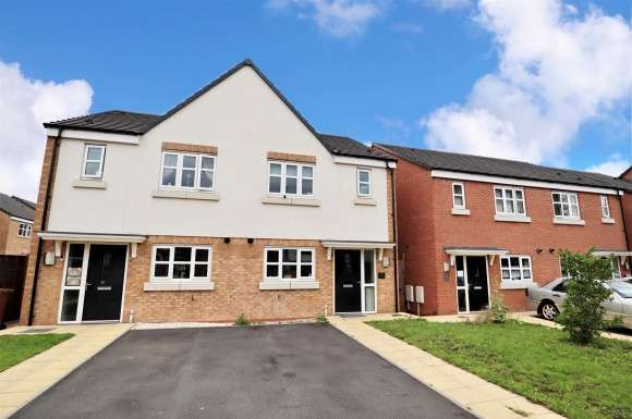 3 Bedrooms Detached House for sale in Clothier Street, Willenhall
