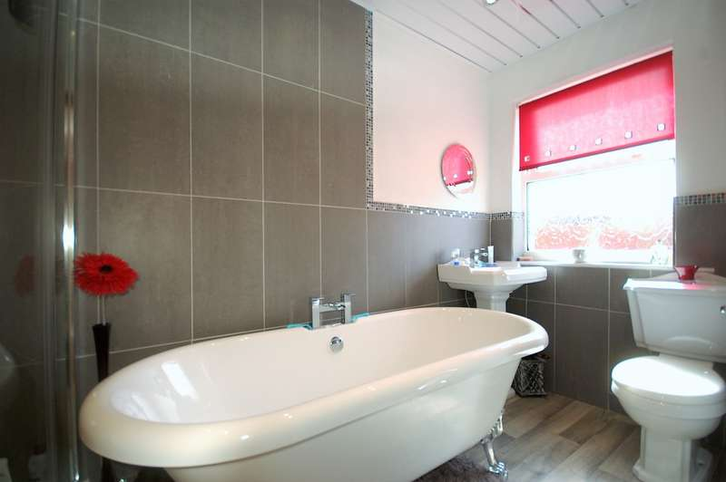 3 Bedrooms Terraced House for sale in Houghton Avenue, Blackpool