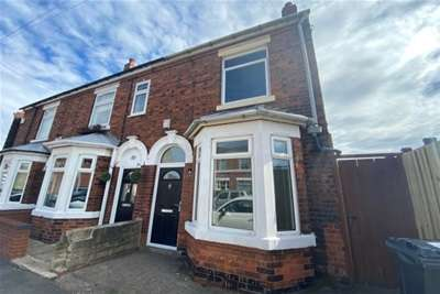 2 Bedrooms Semi Detached House for rent in Hunloke Road, Chesterfield, S42