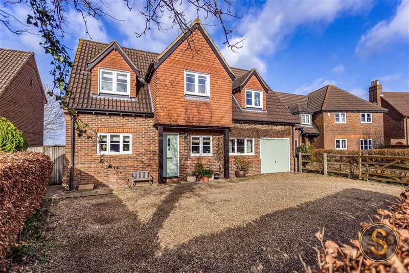 4 Bedrooms Detached House for sale in Pitstone, Buckinghamshire