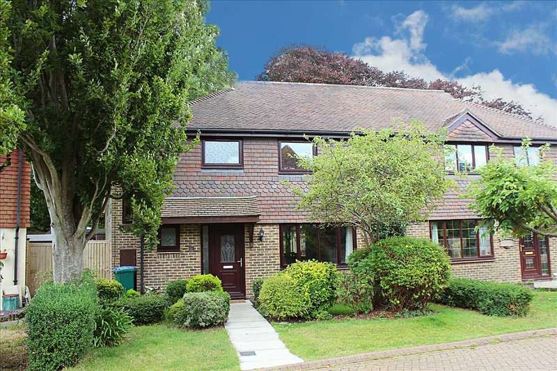 4 Bedrooms Semi Detached House for sale in Vicarage Close, Denton, Newhaven