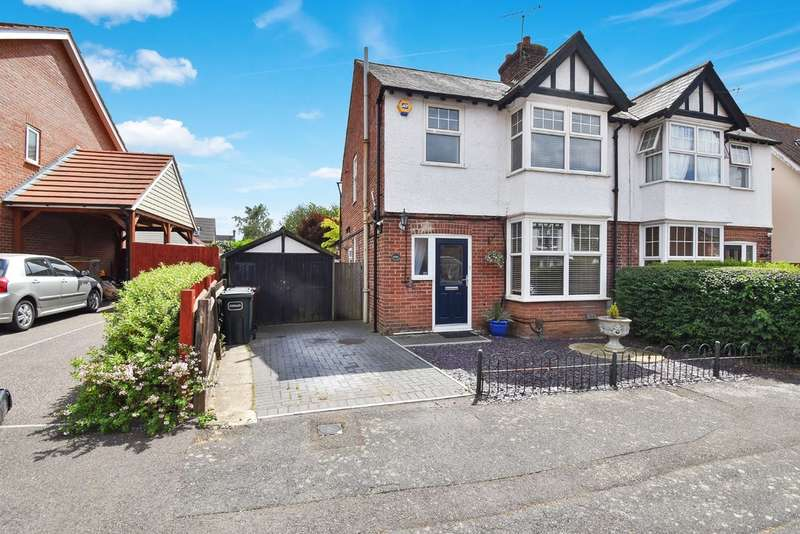 3 Bedrooms Semi Detached House for sale in Kings Avenue, Ashford