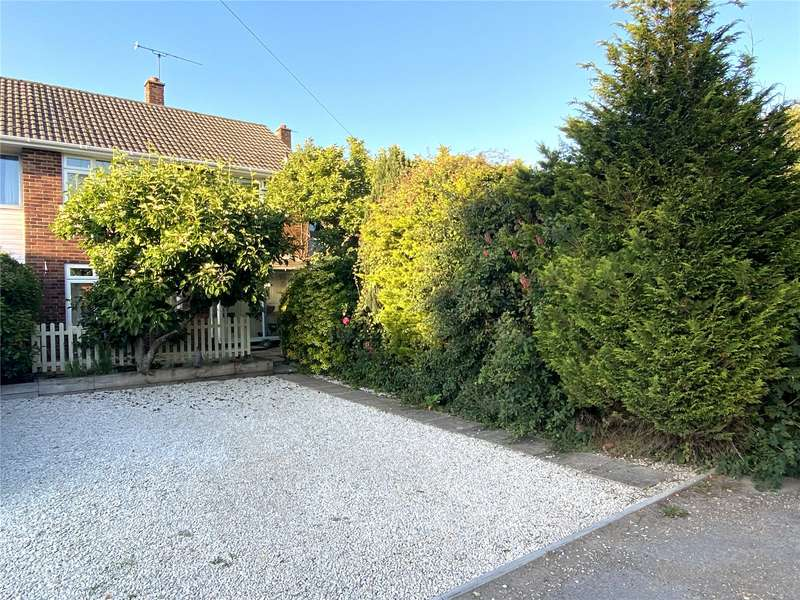 3 Bedrooms Terraced House for sale in Manor Court, Ringwood, Hampshire, BH24