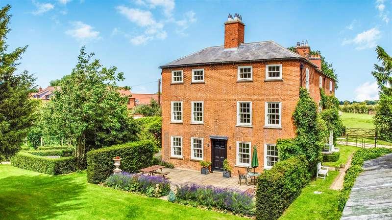 10 Bedrooms Detached House for sale in Hall Lane, Brandon, Grantham