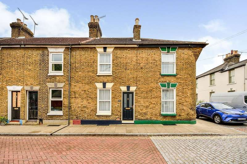 3 Bedrooms House for sale in Caslocke Street, Faversham, Kent, ME13