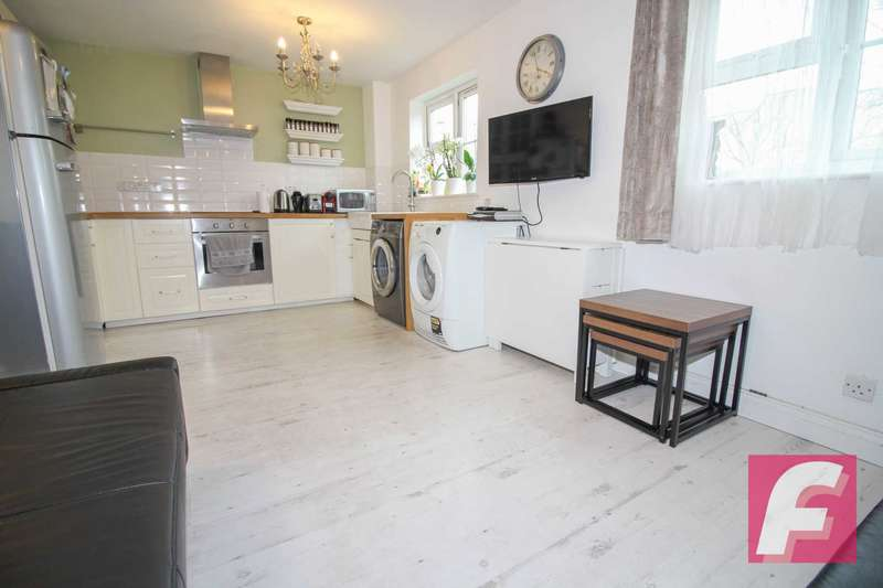 1 Bedroom Flat for sale in Redwood Close, South Oxhey, WD19