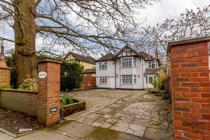 5 Bedrooms Detached House for sale in Brookshill, Harrow, Middlesex, HA3