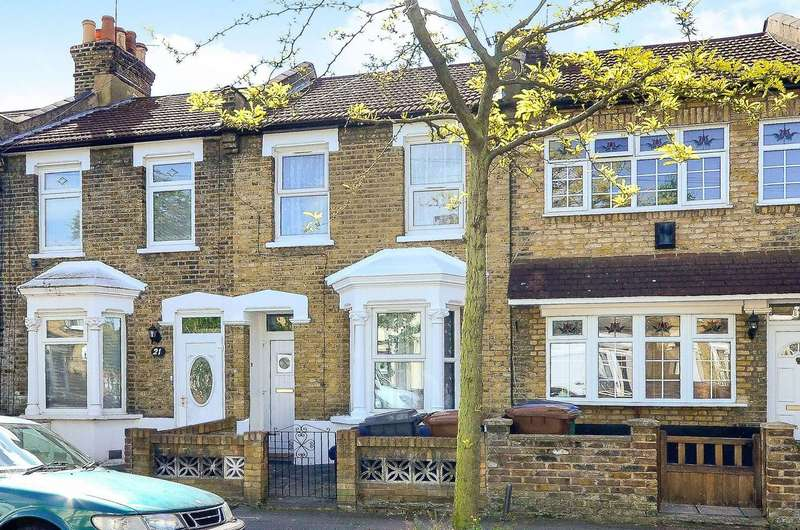 3 Bedrooms Terraced House for rent in Thorpe Road, Forest Gate, E7