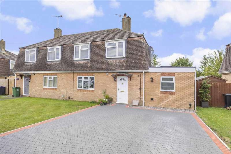 3 Bedrooms Semi Detached House for sale in Sidbury Circular Road, Tidworth