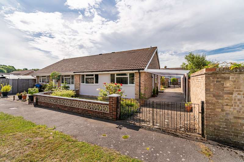 2 Bedrooms Semi Detached Bungalow for sale in Spenser Close, Warsash, Southampton, Hampshire. SO31 9GR