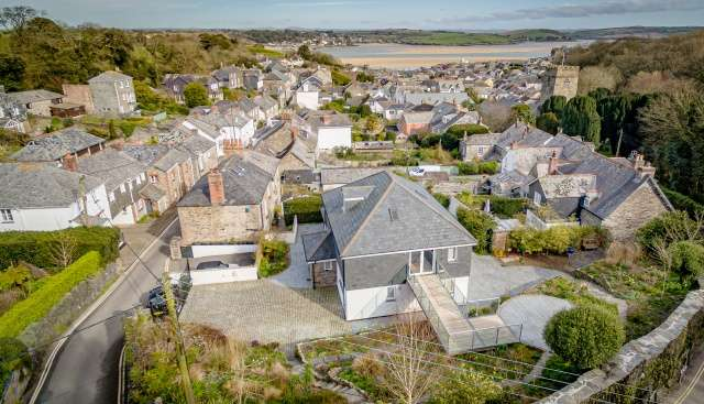 2 Bedrooms Detached House for sale in Padstow