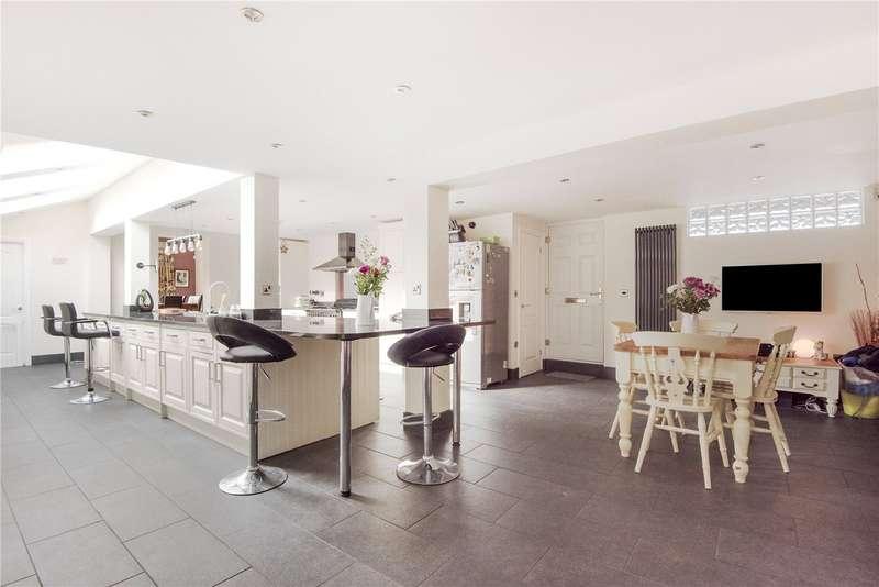 4 Bedrooms Detached House for sale in St. Pegas Road, Peakirk, Peterborough, Cambridgeshire, PE6