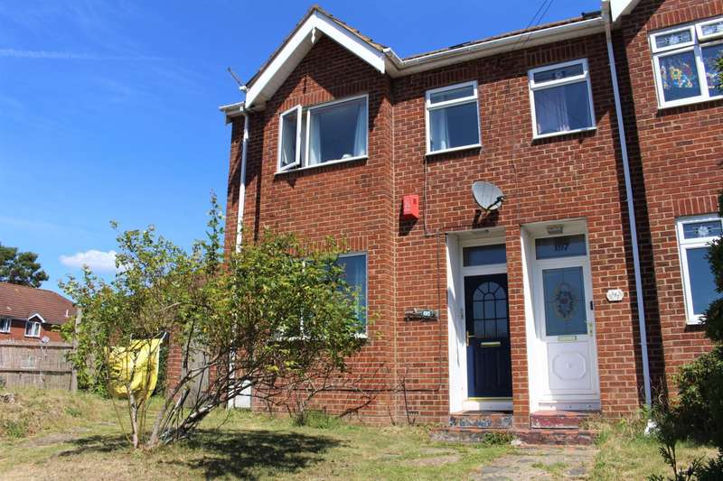 3 Bedrooms Semi Detached House for sale in Portsmouth Road, Southampton, SO19