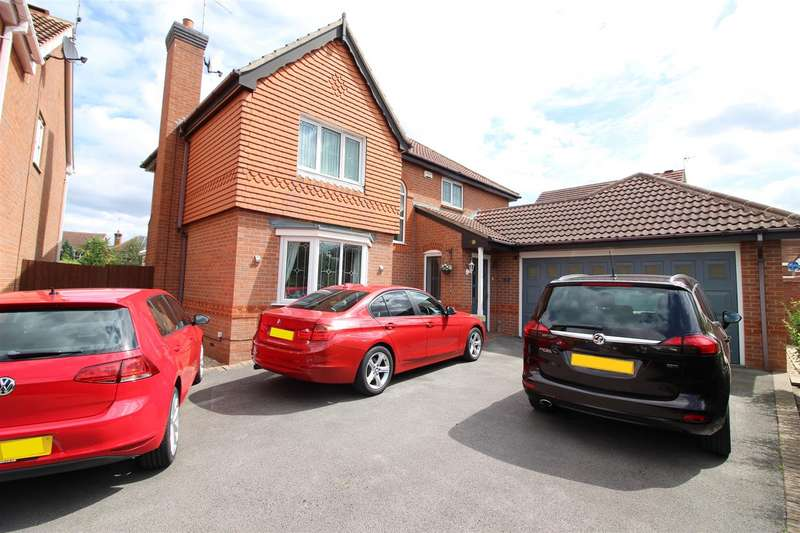 4 Bedrooms Detached House for sale in Kingsdale Grove, Chellaston, Derby