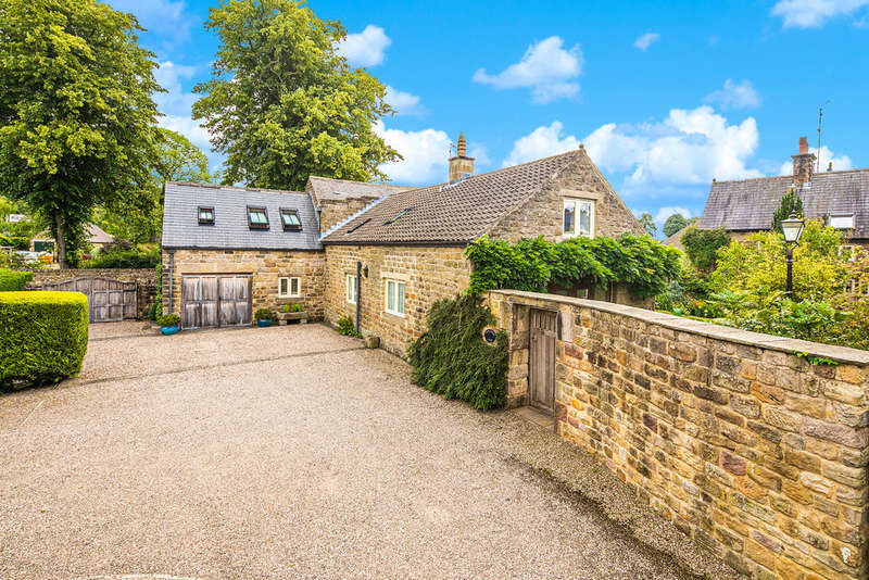 4 Bedrooms Detached House for sale in Church Street, Ashover